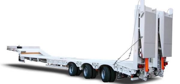 Semi remorque porte engin 3 essieux directeurs